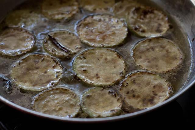 fried lauki slices for lauki yakhni recipe