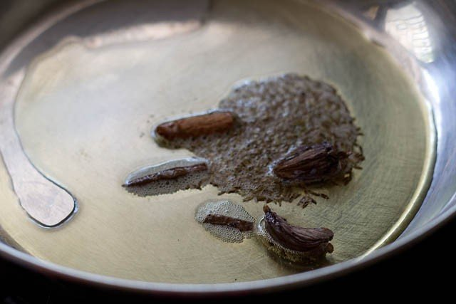 frying spices for al yakhni recipe