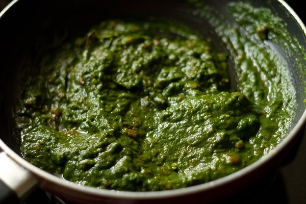 spinach puree mixed with the onions & tomatoes base