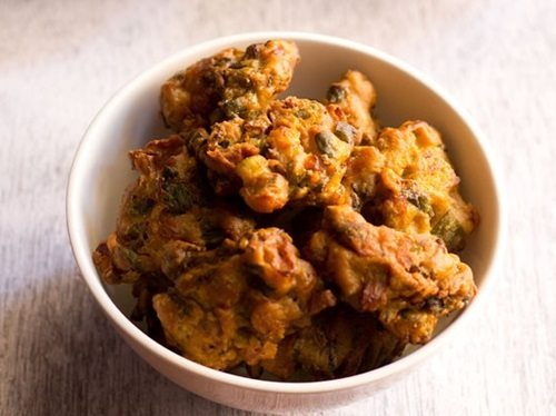 spring onion pakora recipe