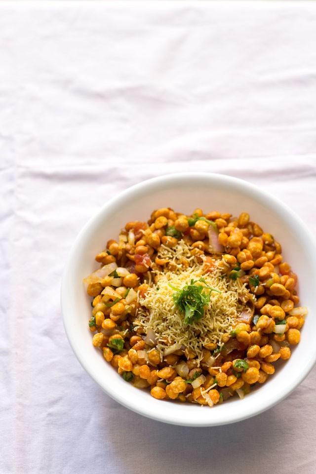 chana dal bhel puri recipe, how to make chana dal bhel puri recipe