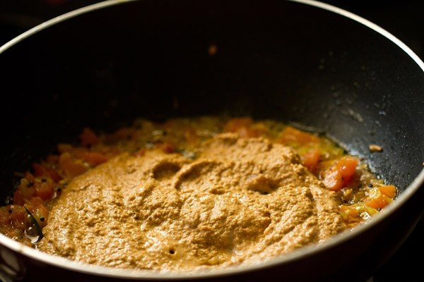 masala paste for preparing chickpea curry recipe