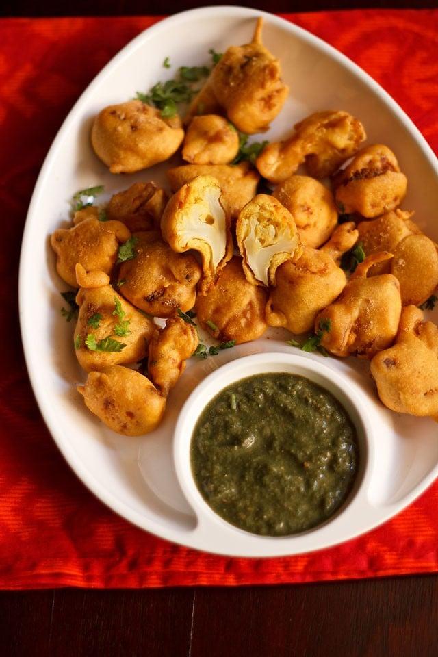 gobi pakora recipe, how to make gobi pakoras | cauliflower fritters
