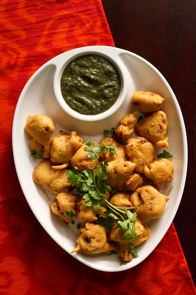 gobi pakora or cauliflower pakora