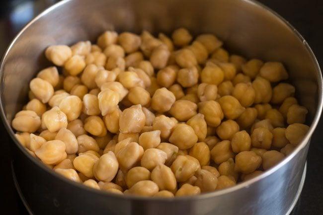making methi chole recipe, making methi curry recipe