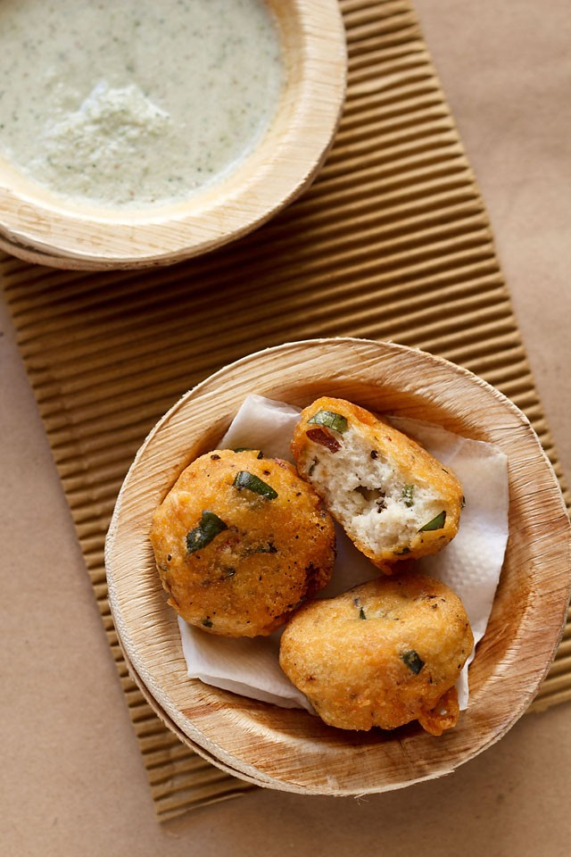 mysore bonda recipe, how to make mysore bonda | ulundu bonda