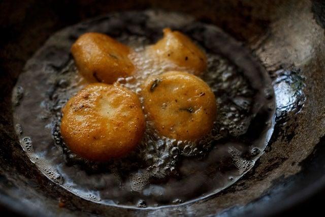 frying mysore bonda