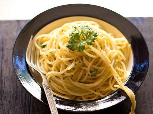 spaghetti olio e aglio recipe