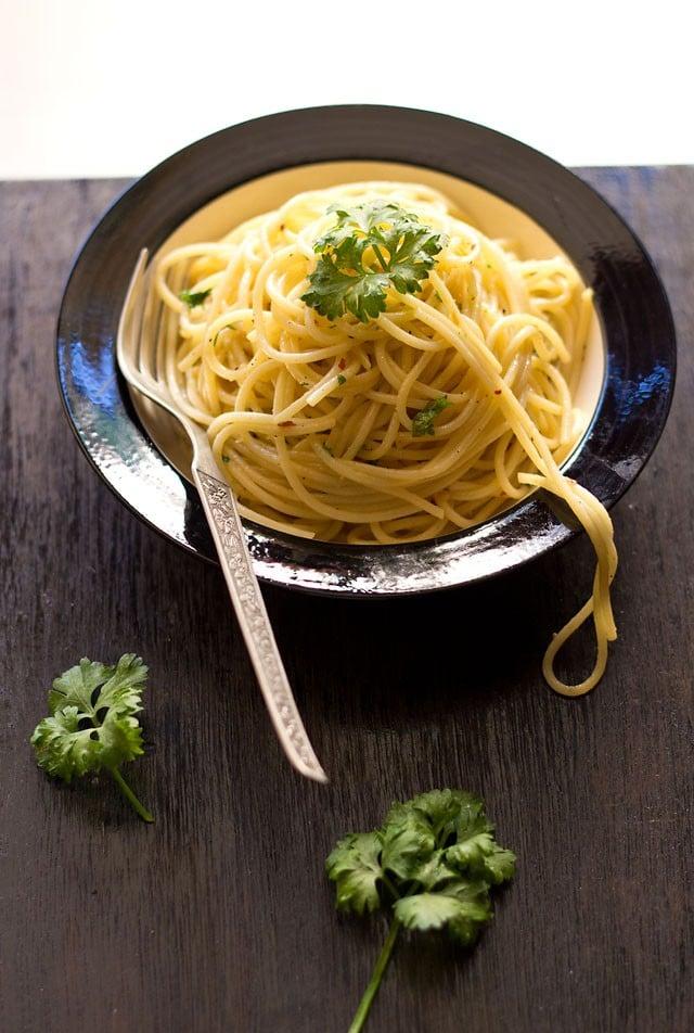 Spaghetti Olio E Aglio Recipe Easy And Quick Pasta Recipe