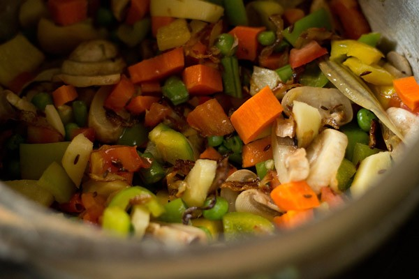 vegetables to make pulao recipe in pressure cooker