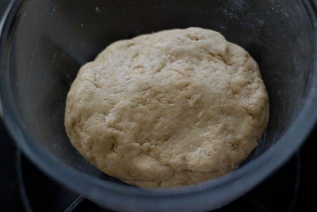 garlic bread rolls dough