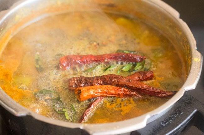 kathirikai sambar or brinjal sambar