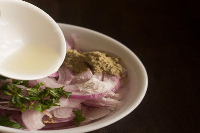 onion lachcha recipe