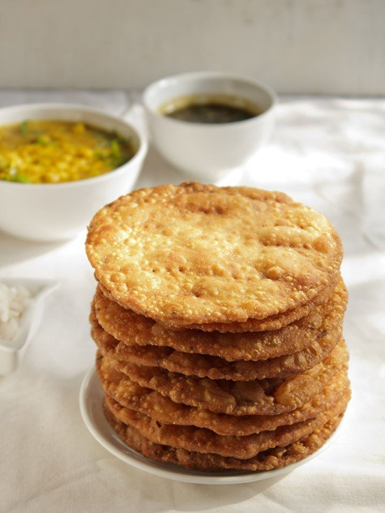 pakwan recipe, how to make pakwan recipe | sindhi pakwan recipe