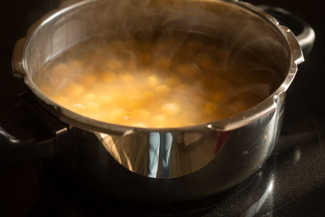 Pressure cooking the chickpeas