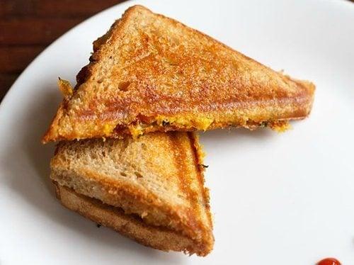 paneer bhurji sandwich recipe