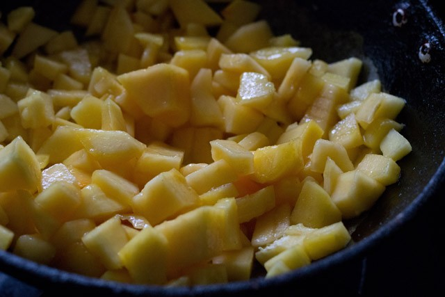 papaya for papaya halwa recipe