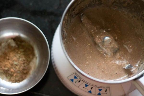 grind aloo chana masala spices