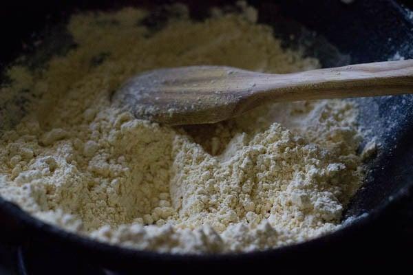 besan for besan ladoo recipe