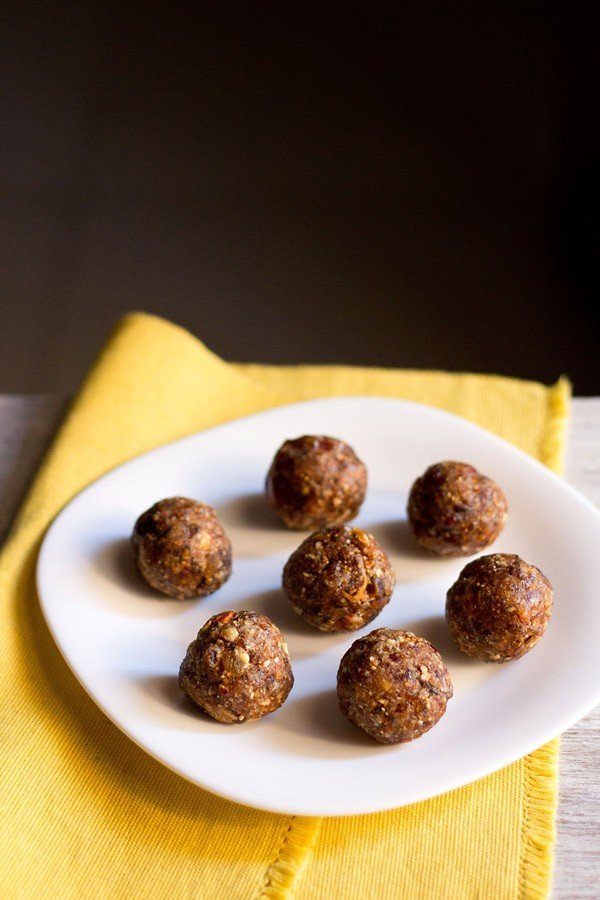 dry fruits ladoo or dry fruits laddu, how to make dry fruits ladoo