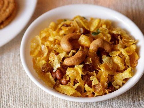 http://www.vegrecipesofindia.com/cornflakes-chivda-recipe-makai-chivda/