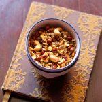 chivda recipe (chiwda), how to make poha chivda | namkeen chivda recipe