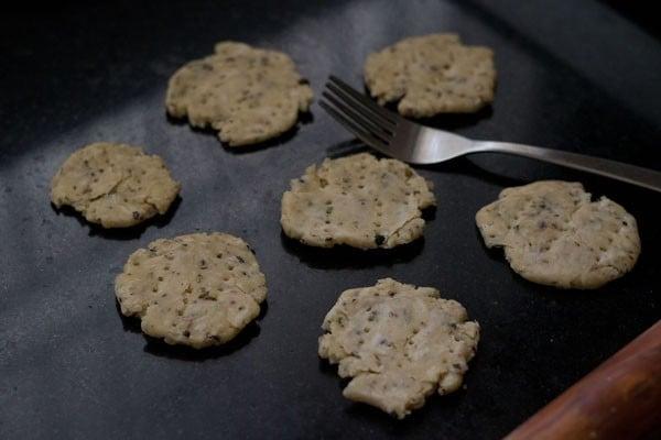 dough for making mathri recipe