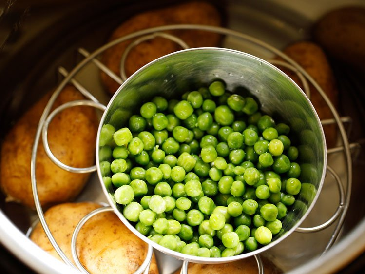 peas and potatoes in the Instant pot before being cooked