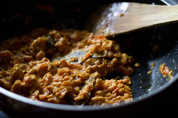 preparing aloo gobi masala recipe