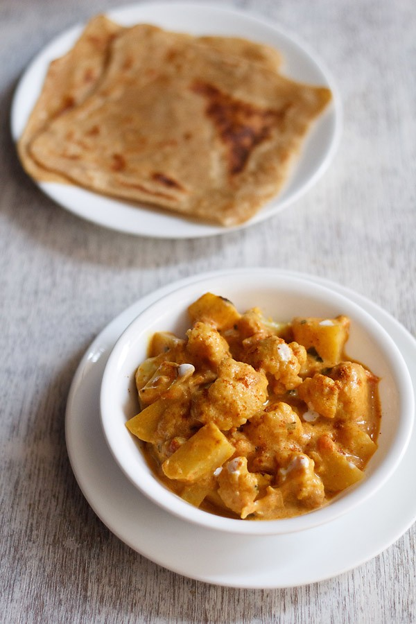 aloo gobi restaurant style recipe, aloo gobi curry recipe