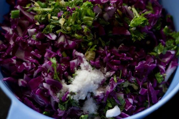 ingredients to make cabbage vada recipe