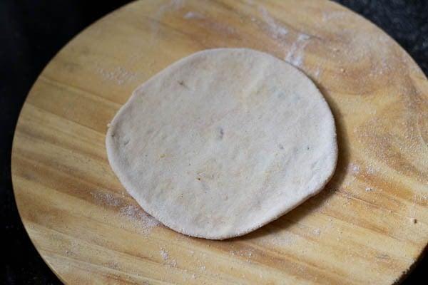 making chana dal paratha recipe