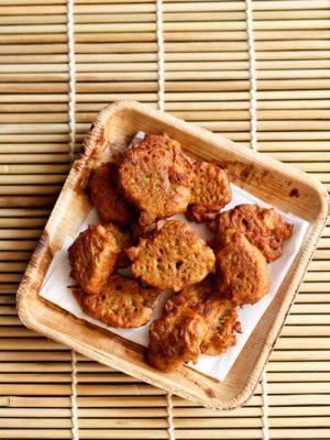 lauki pakora recipe, bottle gourd fritters