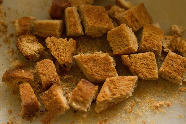 make bread croutons for tomato soup