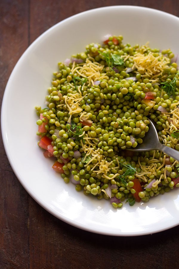 hurda bhel recipe, tender jowar or sorghum bhel recipe | ponk chaat recipe