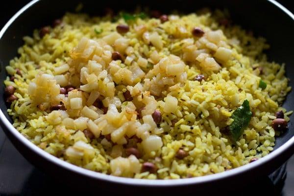 cooking kanda batata poha recipe