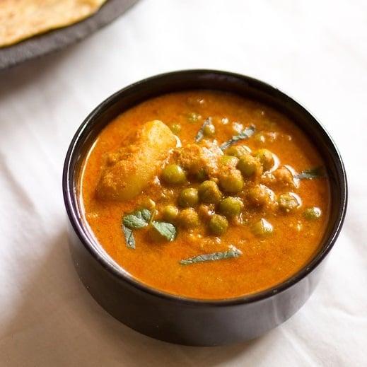 potato peas kurma recipe, aloo matar korma curry recipe