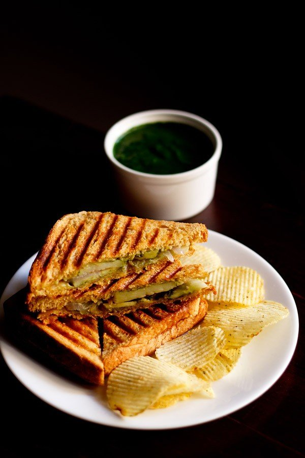 veg grilled sandwich recipe | bombay vegetable grilled sandwich recipe