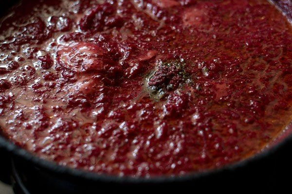 making beetroot halwa