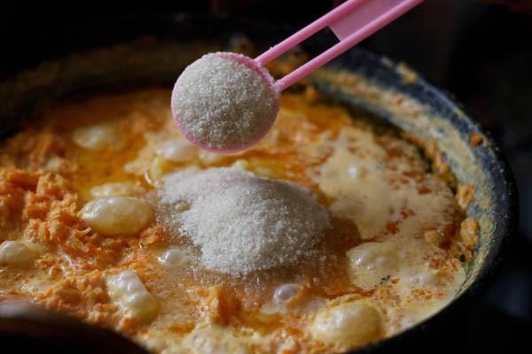 add sugar to make gajar halwa recipe
