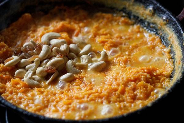 add dry fruits to gajar halwa recipe