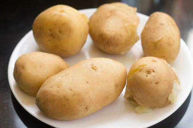 mathura ke dubke wale aloo recipe
