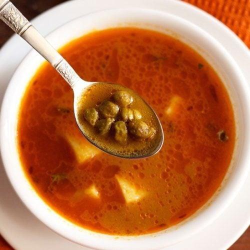 aloo choliya recipe, aloo hara chana recipe, punjabi choliya recipe