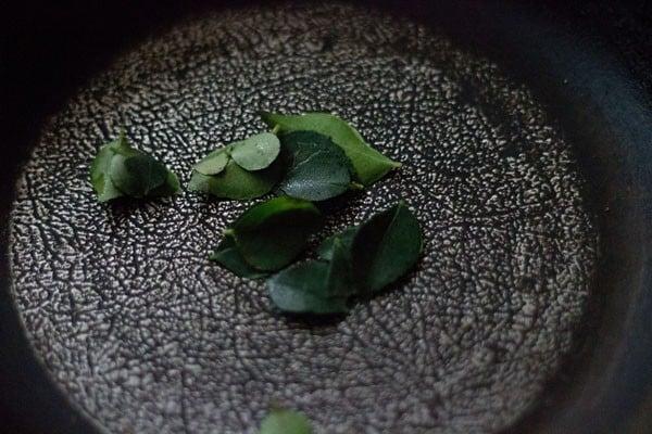 roasting red curries for bisi bele bath masala powder recipe