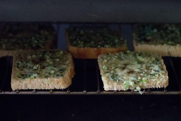 making cheese garlic toast recipe