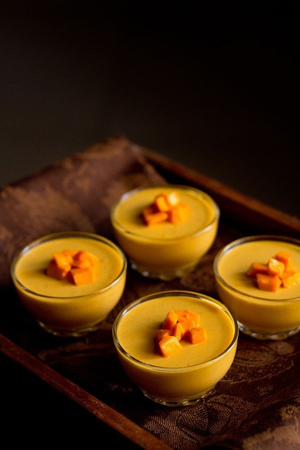 mango panna cotta recipe | vegetarian mango panna cotta recipe