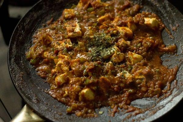 making tawa paneer masala recipe