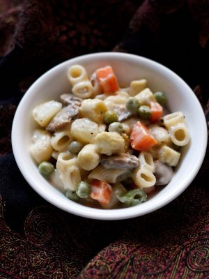 vegetable pasta in white sauce recipe, vegetable pasta in white sauce