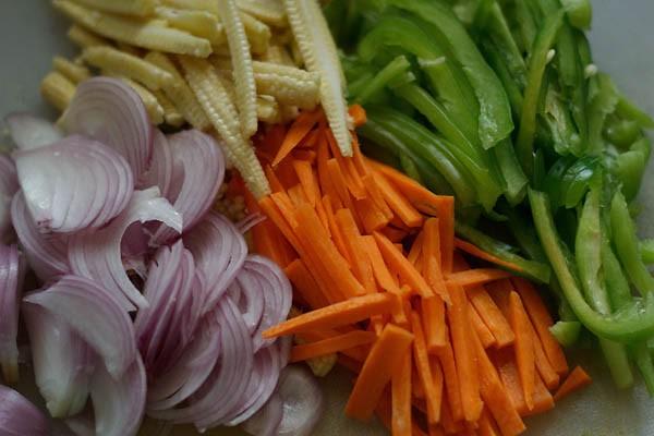 veggies for paneer jalfrezi recipe