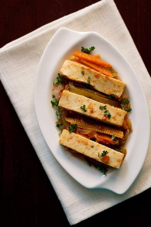 paneer jalfrezi recipe, how to make veg paneer jalfrezi recipe